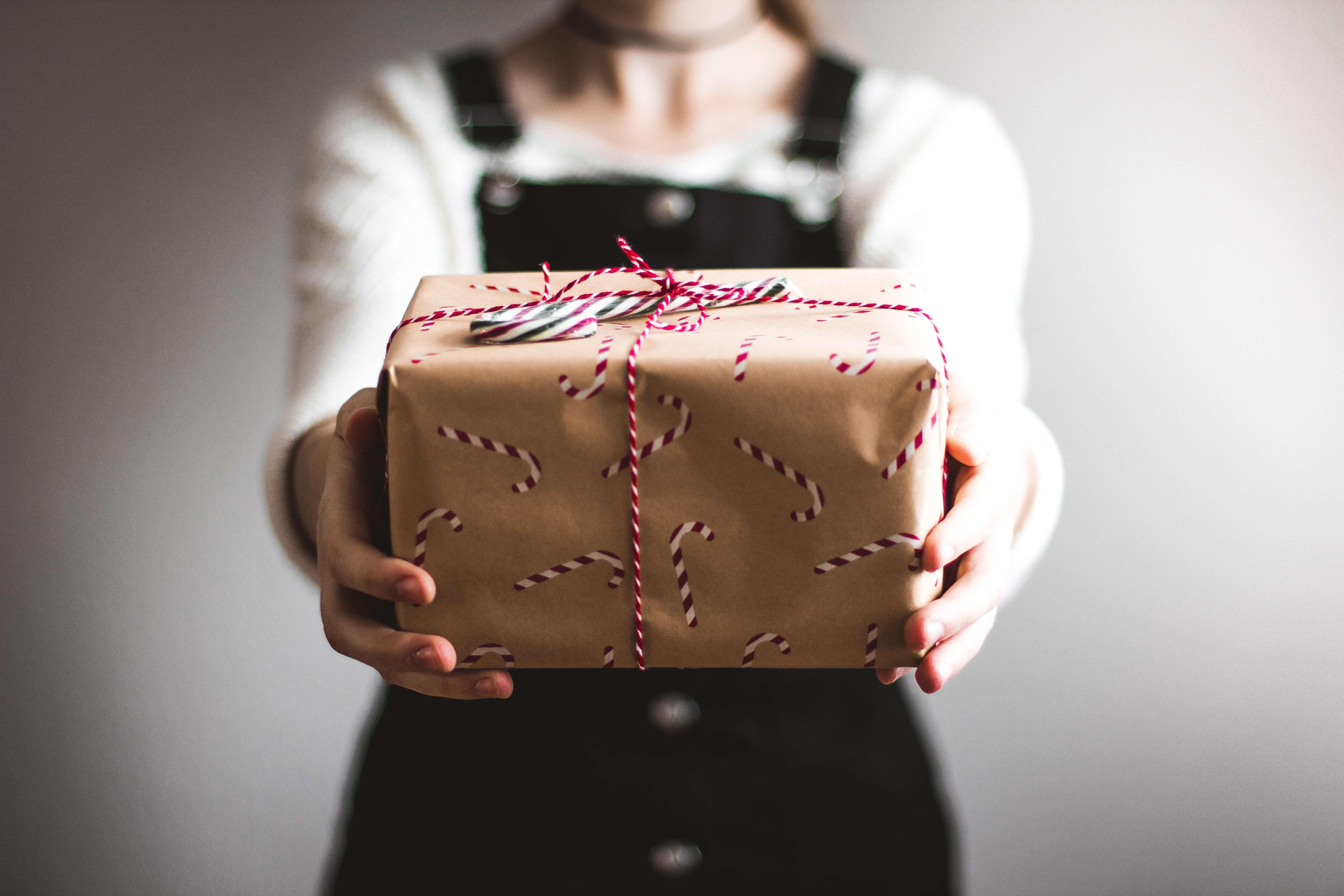 10 idées cadeaux de Noël petit budget à moins de 50€