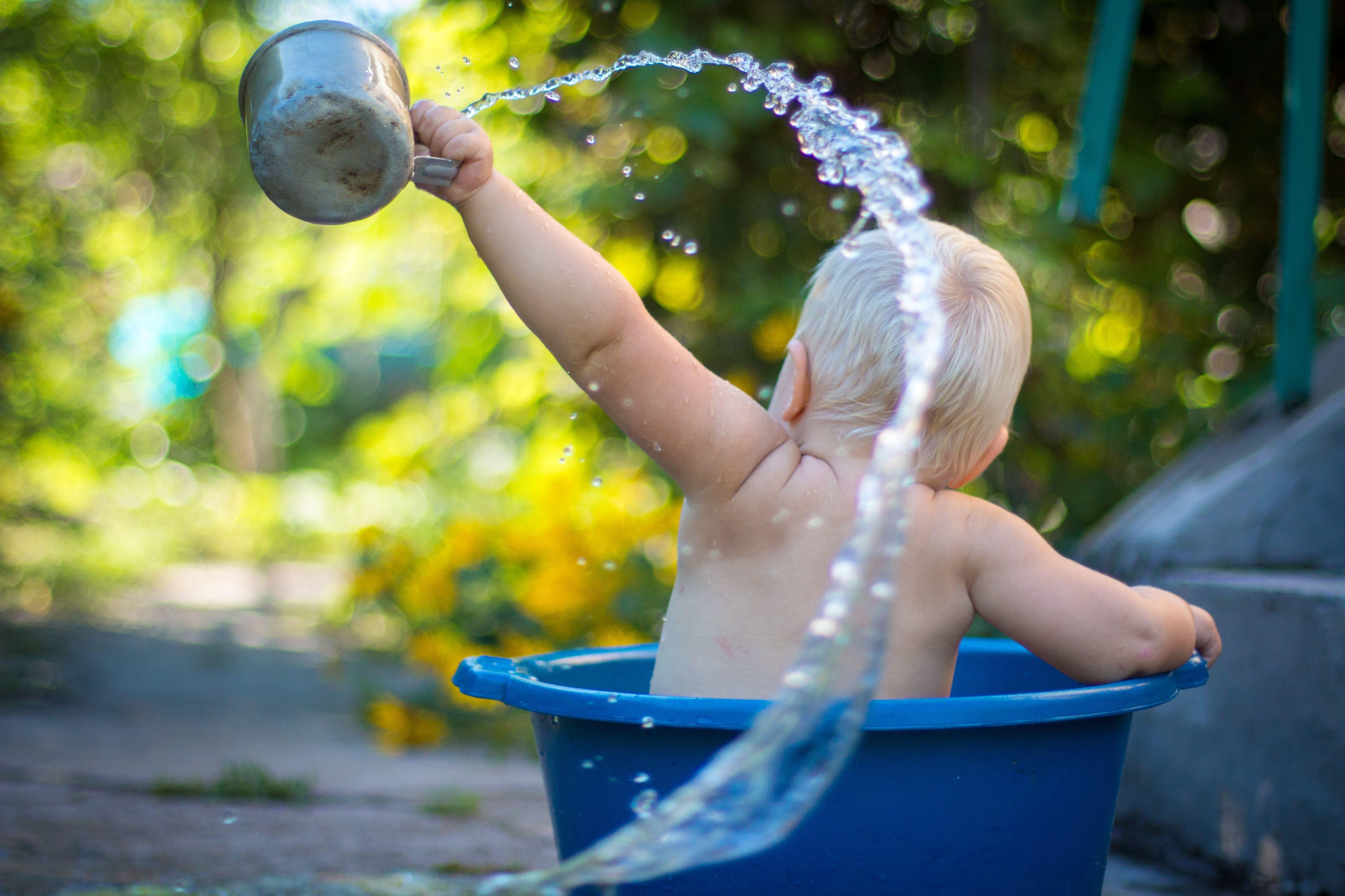 Laissez votre enfant se laver tout seul