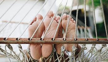 Comment réaliser un soin des pieds à domicile ?